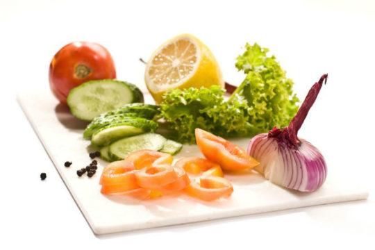В рационе должны быть овощи, молочные продукты и зелень