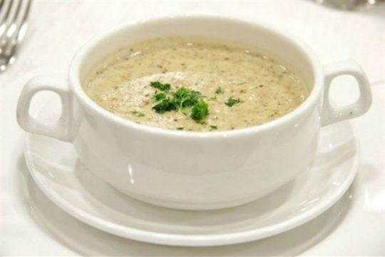 При диарее разрешены супы, жидкие каши, отвары