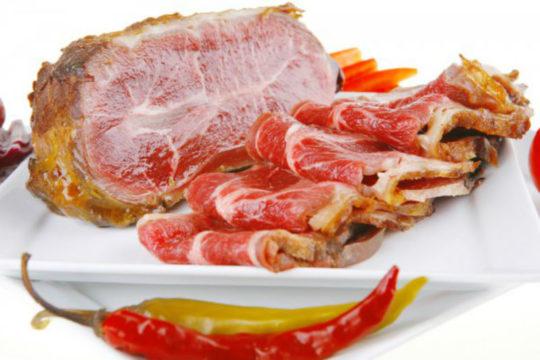 Жирные, мясные блюда и острые специи при гипотиреозе употреблять нельзя