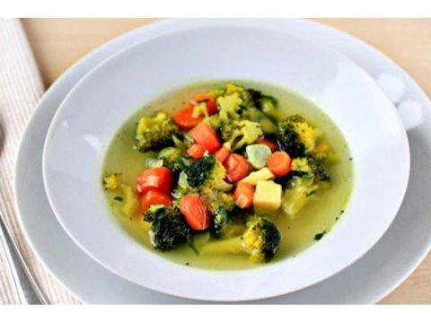 Для повышения кислотности необходимо есть овощные супы